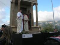 Processione della Via Crucis con gruppi statuari viventi - 5 aprile 2009   - Buseto palizzolo (1545 clic)
