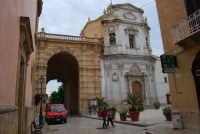 Porta Garibaldi e Santuario Maria SS. Addolorata - 24 settembre 2007  - Marsala (1138 clic)