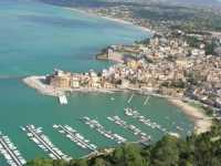 panorama dal Belvedere - la città - 12 ottobre 2009   - Castellammare del golfo (1619 clic)
