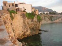 costa e scorcio del paese - 23 settembre 2007  - Terrasini (1301 clic)