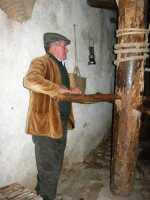 Il Presepe Vivente di Custonaci nella grotta preistorica di Scurati (grotta Mangiapane) (147) - 26 dicembre 2007   - Custonaci (1185 clic)