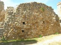 sulla rupe i ruderi del Castello Eufemio, di epoca medioevale - 4 ottobre 2007   - Calatafimi segesta (673 clic)