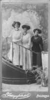 Tre sorelle alcamesi - Primi anni del novecento  - Alcamo (6807 clic)