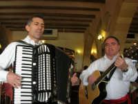 duo fisarmonica e chitarra- C.da Digerbato - Tenuta Volpara - 21 dicembre 2008   - Marsala (1462 clic)