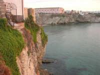 costa e scorcio del paese - 23 settembre 2007  - Terrasini (1415 clic)