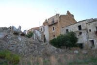 ruderi del paese distrutto dal terremoto del gennaio 1968 - 2 ottobre 2007   - Poggioreale (755 clic)