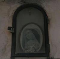 piccola edicola votiva in via Cernaia - 21 giugno 2007  - Alcamo (824 clic)