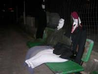 PURGATORIO - pupazzi di carnevale lungo la via principale della piccola frazione di Custonaci - 12 - 27 gennaio 2008  - Custonaci (2188 clic)