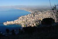 panorama della città e del Golfo di Castellammare -  3 marzo 2008  - Castellammare del golfo (574 clic)