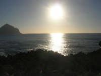 Macari - riflessi di sole sul golfo del Cofano - 28 settembre 2007  - San vito lo capo (695 clic)