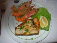 gamberi e pesce spada grigliati - Ristorante La Perla - 27 gennaio 2008   - Marausa lido (3661 clic)