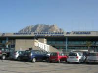 Aeroporto Internazionale di Palermo Falcone e Borsellino - 27 agosto 2007  - Cinisi (4325 clic)