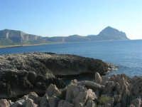 Macari - l'Isulidda, la costa fino al monte Cofano ed un pizzico del monte Erice - 20 maggio 2007  - San vito lo capo (704 clic)