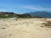 zona Canalotto: la spiaggia nel giorno della Pasquetta - 9 aprile 2007  - Alcamo marina (914 clic)
