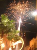 notte di capodanno in piazza Ciullo - spettacolo pirotecnico - 1 gennaio 2009  - Alcamo (3437 clic)