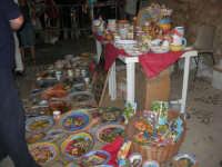 Calici di Stelle - ceramiche in mostra sul piazzale del Castello dei Conti di Modica - 10 agosto 2008   - Alcamo (863 clic)