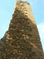 sulla rupe i ruderi del Castello Eufemio, di epoca medioevale - 4 ottobre 2007   - Calatafimi segesta (620 clic)