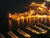 dal Belvedere: panorama notturno della città e del porto - 19 settembre 2007   - Castellammare del golfo (672 clic)