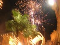 notte di capodanno in piazza Ciullo - spettacolo pirotecnico - 1 gennaio 2009  - Alcamo (2865 clic)