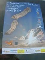 la locandina del 1° Festival Internazionale degli Aquiloni - 10 maggio 2009   - San vito lo capo (1748 clic)