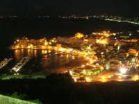 panorama notturno della città, del porto e del golfo - 19 settembre 2007   - Castellammare del golfo (675 clic)