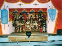 i PUPI SICILIANI di SALVATORE OLIVERI, nipote del grande puparo Gaspare Canino - Teatro Euro - 25 ottobre 1998  - Alcamo (4294 clic)