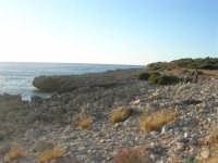Macari - la costa nei pressi dell'Isulidda - 28 settembre 2007  - San vito lo capo (917 clic)