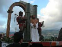 Processione della Via Crucis con gruppi statuari viventi - 5 aprile 2009   - Buseto palizzolo (1446 clic)