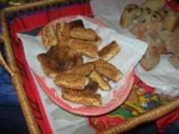 WINE WEEKEND - Vetrina dell'Alcamo DOC - Cortile del Collegio dei Gesuiti - dolci tipici: biscotti con la giuggiulena - 4 dicembre 2009   - Alcamo (2626 clic)