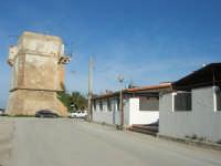 Torre di avvistamento e Ristorante La Perla - 27 gennaio 2008   - Marausa lido (1788 clic)