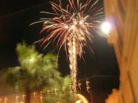 notte di capodanno in piazza Ciullo - spettacolo pirotecnico - 1 gennaio 2009  - Alcamo (2948 clic)
