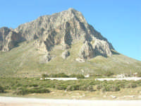 Monte Cofano - 27 aprile 2008  - Cornino (893 clic)