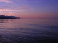 Spiaggia Plaja - il mare all'imbrunire - 10 maggio 2009    - Castellammare del golfo (1693 clic)