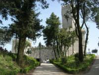 Villa comunale Balio e Torri medievali - 1 maggio 2008   - Erice (877 clic)