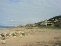 zona Tonnara - golfo di Castellammare, lato est, e monti del palermitano innevati - 16 febbraio 2009  - Alcamo marina (2300 clic)