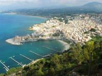 panorama dal Belvedere - 1 maggio 2007  - Castellammare del golfo (639 clic)