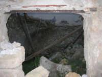 ruderi del paese distrutto dal terremoto del gennaio 1968 - 2 ottobre 2007  - Poggioreale (617 clic)