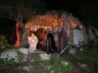 Parco Urbano della Misericordia - LA BIBBIA NEL PARCO - Quadri viventi: 10. Natività - 5 gennaio 2009   - Valderice (4534 clic)