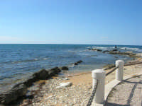mare e scogliera dal Villino Nasi - 6 settembre 2007  - Trapani (959 clic)