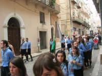 festeggiamenti in onore di Maria Santissima dei Miracoli, Patrona di Alcamo - Processione in corso 6 Aprile (corso stretto) - 21 giugno 2007  - Alcamo (1147 clic)