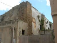 un vecchio edificio - 25 aprile 2008  - Sciacca (1301 clic)