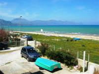 zona Canalotto: la spiaggia nel giorno della Pasquetta - 9 aprile 2007   - Alcamo marina (1081 clic)