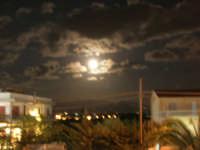 luna piena: che spettacolo! - 7 ottobre 2006  - Alcamo (1101 clic)