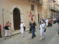 festeggiamenti in onore di Maria Santissima dei Miracoli, Patrona di Alcamo - Processione in corso 6 Aprile (corso stretto) - 21 giugno 2007  - Alcamo (812 clic)