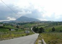 campagna alcamese, monte Bonifato e la città alle sue pendici - 23 febbraio 2009   - Alcamo (2521 clic)