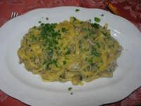 tagliatelle con carciofi e salsiccia - 1 febbraio 2009   - Buseto palizzolo (5209 clic)