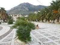 Piazza Petrolo e Monte Inici - 11 dicembre 2009  - Castellammare del golfo (2460 clic)