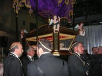 Venerdì Santo: processione del Cristo Morto e dell'Addolorata - piazza Ciullo, dinanzi la Chiesa del Collegio - 21 marzo 2008   - Alcamo (720 clic)