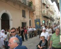 festeggiamenti in onore di Maria Santissima dei Miracoli, Patrona di Alcamo - Processione in corso 6 Aprile (corso stretto) - 21 giugno 2007  - Alcamo (1104 clic)