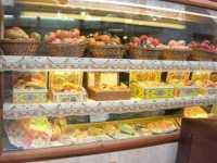 Vetrina con esposizione di dolci tipici - 22 maggio 2009  - Erice (4904 clic)